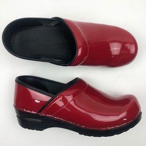 Dansko Professional Patent Clog Red